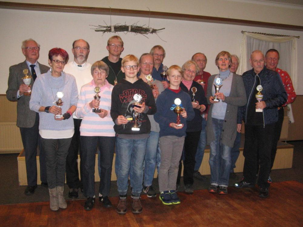 Die aktivsten Wanderer erhielten einen Pokal